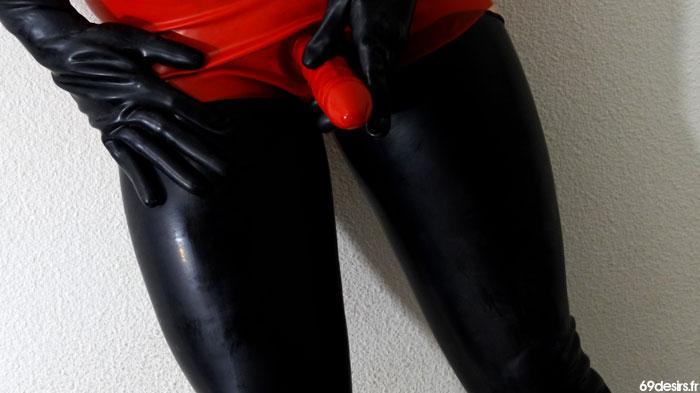 gode ceinture latexa