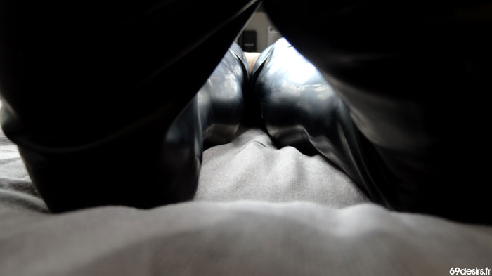 bas noirs latex