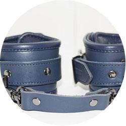 accessoires bdsm - menottes fifty shades darker