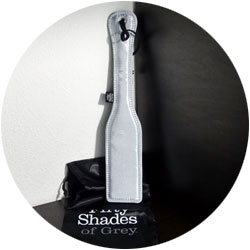 accessoires bdsm - paddle fifty shades of grey
