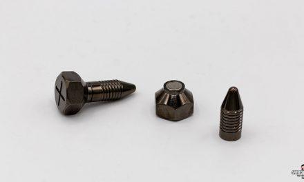 Test des pinces à seins magnétiques Tom of Finland