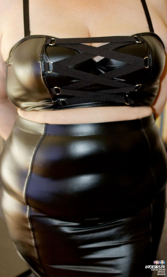Soutien-gorge demi-corset et jupe Fierce